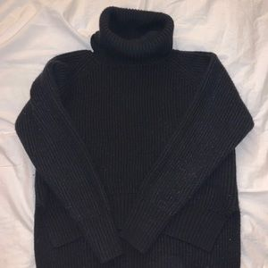 Aritzia - Wilfred High Low Turtle Neck